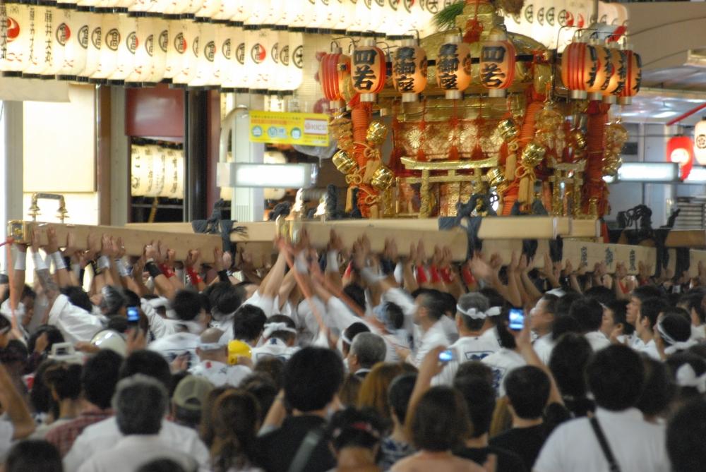 祇園祭 神輿 東御座
